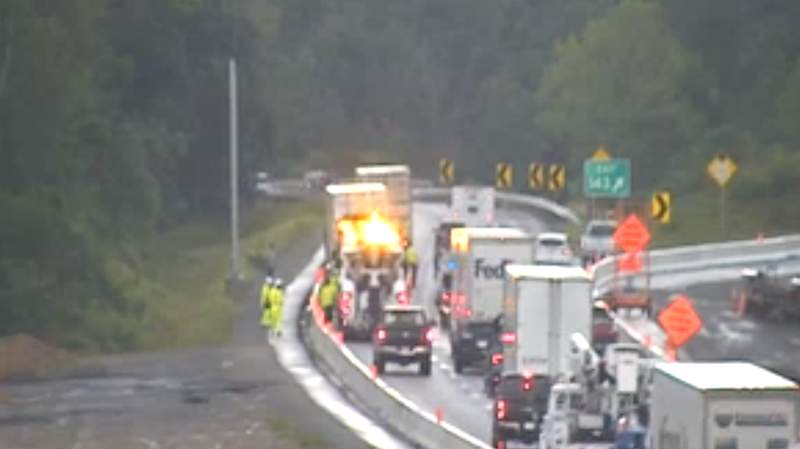 Tractor-trailer crash causes delays on I-81 in Roanoke County