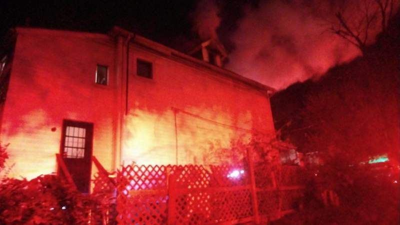 Three displaced after fire in northwest Roanoke