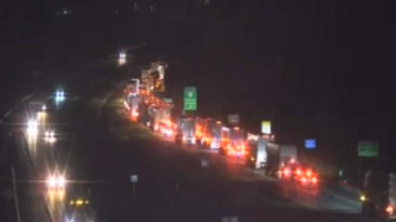 Multi-vehicle crash closes all southbound I-81 lanes in Roanoke County