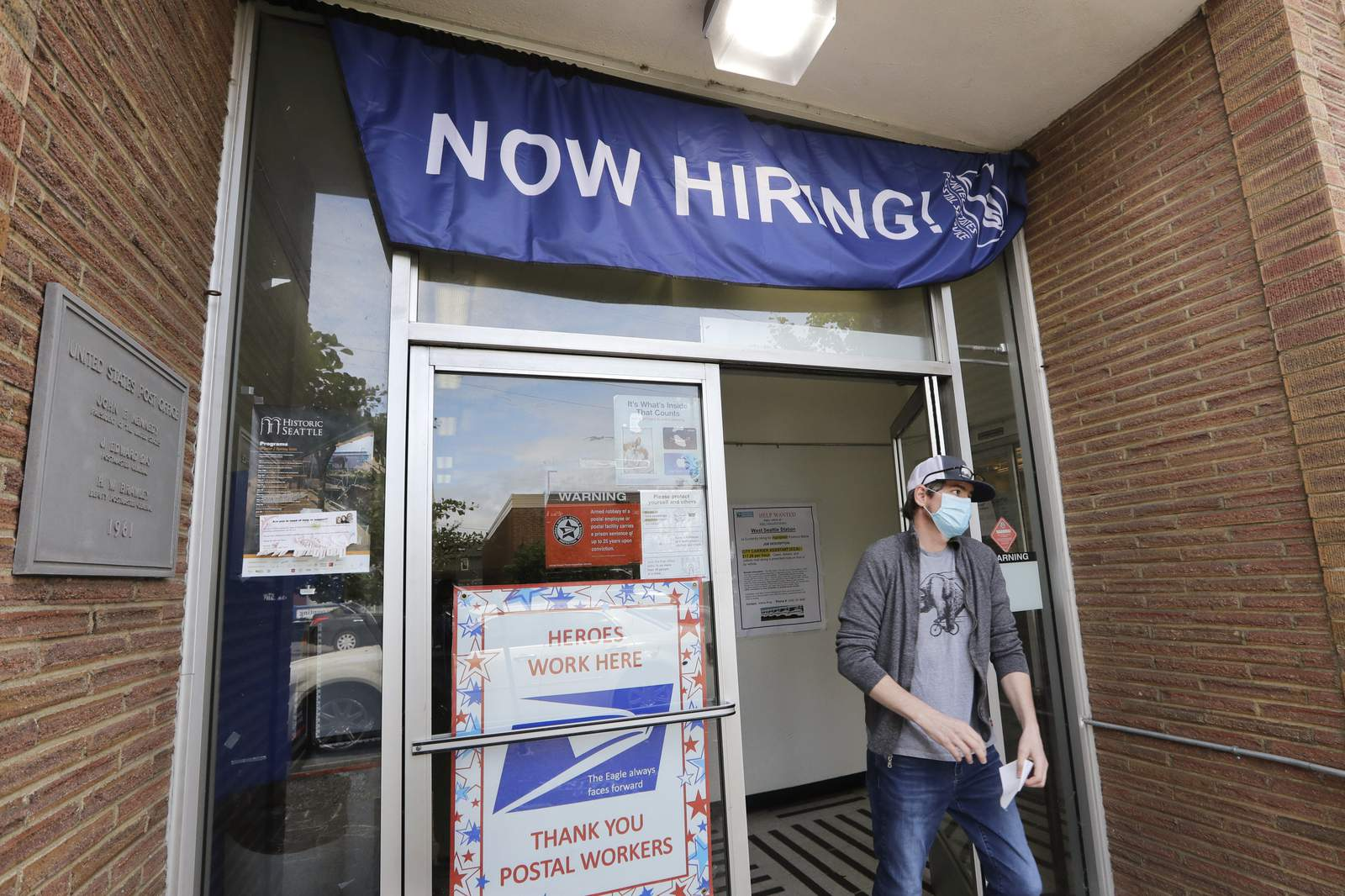 Us Employers Post More Jobs In June Pull Back On Hiring
