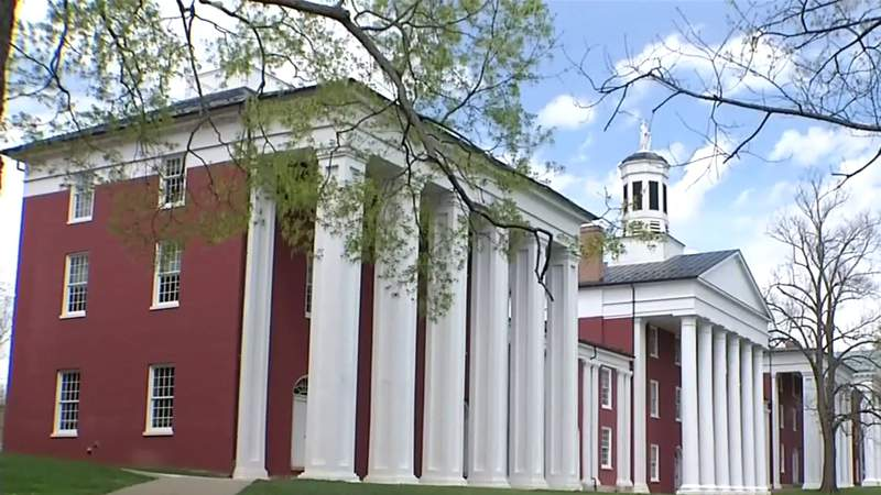 Washington and Lee University to keep name