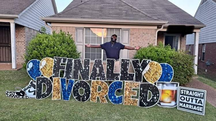 Tennessee homes go viral for yard divorce celebrations (Courtesy: Facebook/HIJK'ed Yard Greetings)