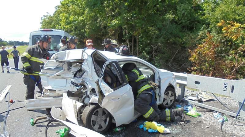 2 hospitalized after Bedford County crash.
