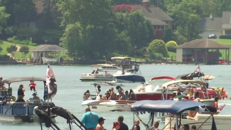 Pirate Days battle at Smith Mountain Lake