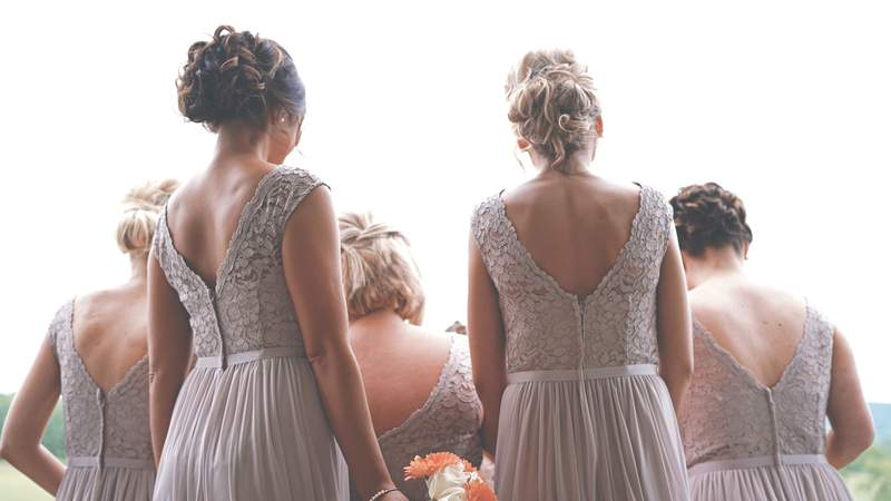 Make your wedding day that much more special with this photo sharing app