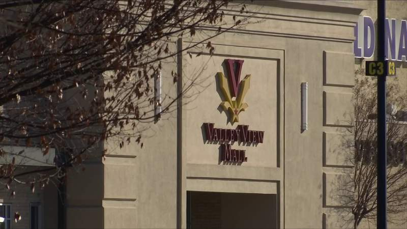 Shoppers return to Valley View Mall