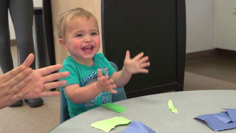 Mom Day Monday: A stimulating activity for your toddlers