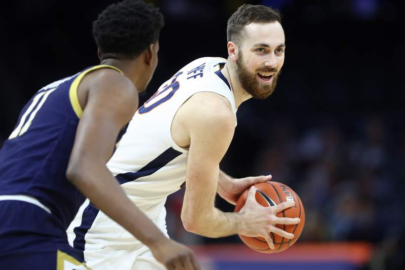 ERIN EDGERTON/THE DAILY PROGRESS Virginia Cavaliers forward Jay Huff (30) during a game against the Notre Dame Fighting Irish on Wednesday, Jan. 13 at John Paul Jones Arena in Charlottesville, Virginia.