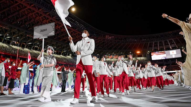 Rui Hachimura leads Japan through Olympic Stadium in the Parade of Nations.