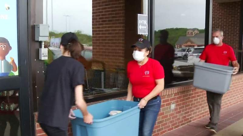 Food for Frontline: Kroger employees get meals from Grace's Place