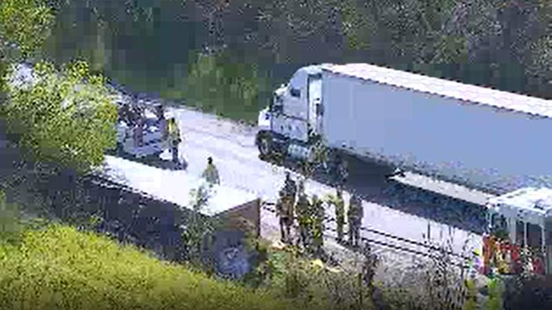 Tractor-trailer crash on I-81 South