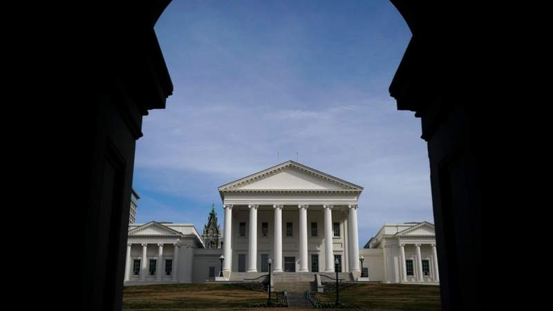 Virginia lawmakers to meet in August to allocate federal relief money