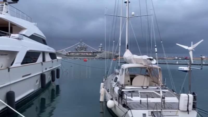 US warship plays Italian national anthem at port