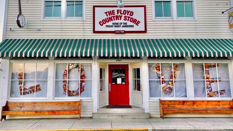Floyd Country Store unveils new window display