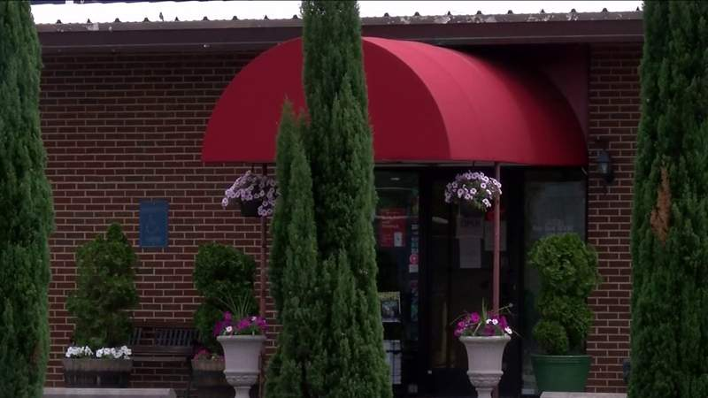 Local restaurants close after workers test positive