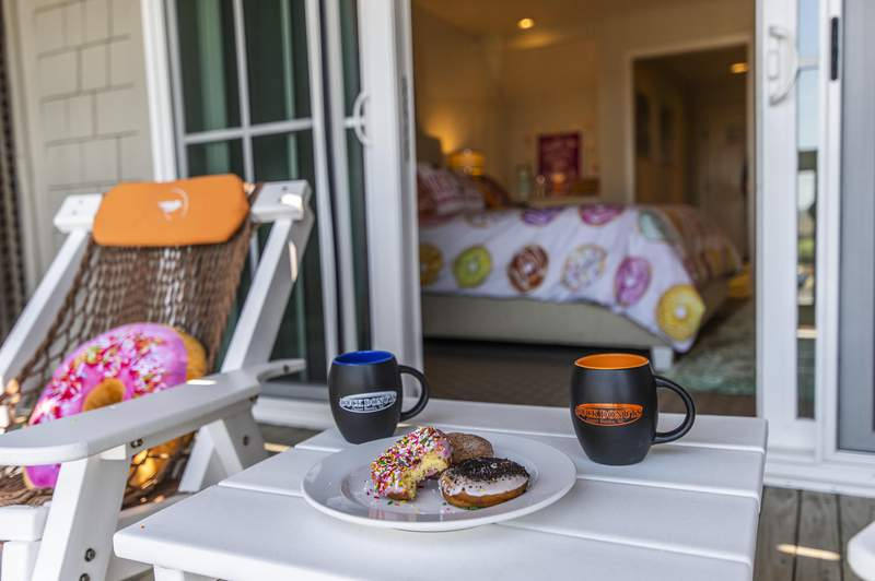 Duck Donuts to launch pop-up donut-themed hotel room in Duck, NC