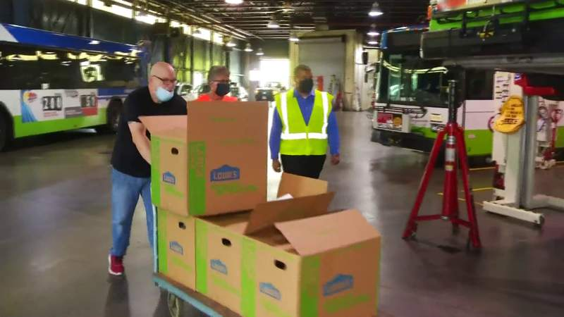 Food for Frontline: Valley Metro employees get lunch from Cabo Fish Taco