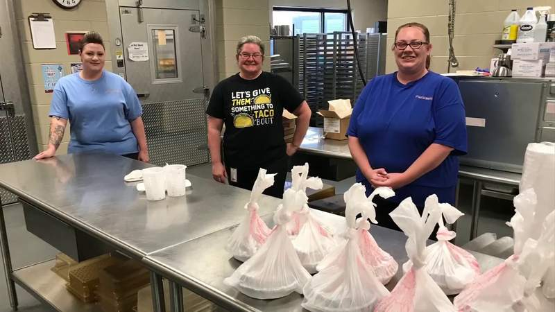 Food for Frontline: Lenore's delivers food to Roanoke County schools employees