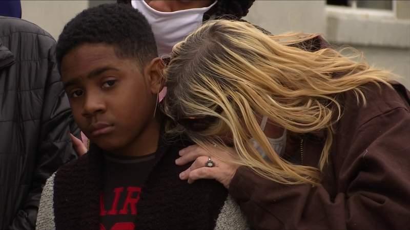 Lynchburg vigil for three homicide victims calls for end to gun violence