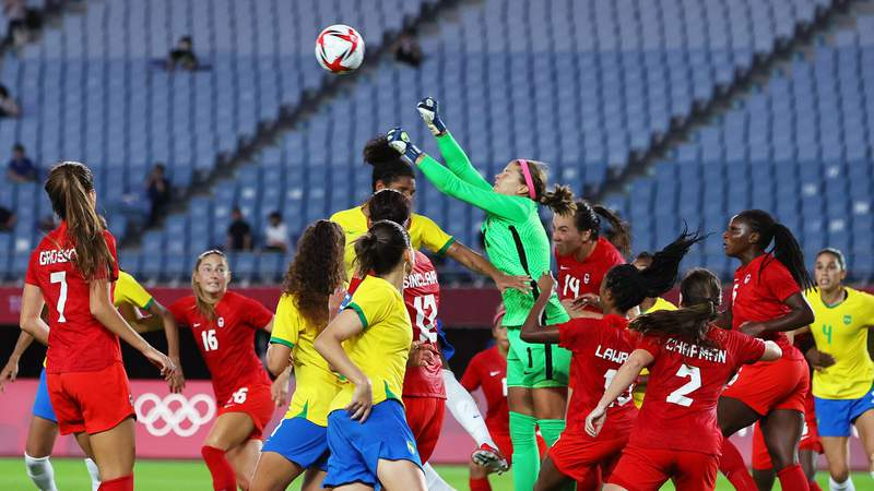 Stephanie Labbe of Canada punches the ball during the Women's Quarter Final match between Canada and Brazil (Photo by Koki Nagahama/Getty Images)