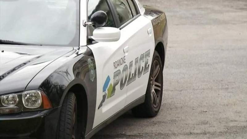 Man hospitalized after Roanoke shooting