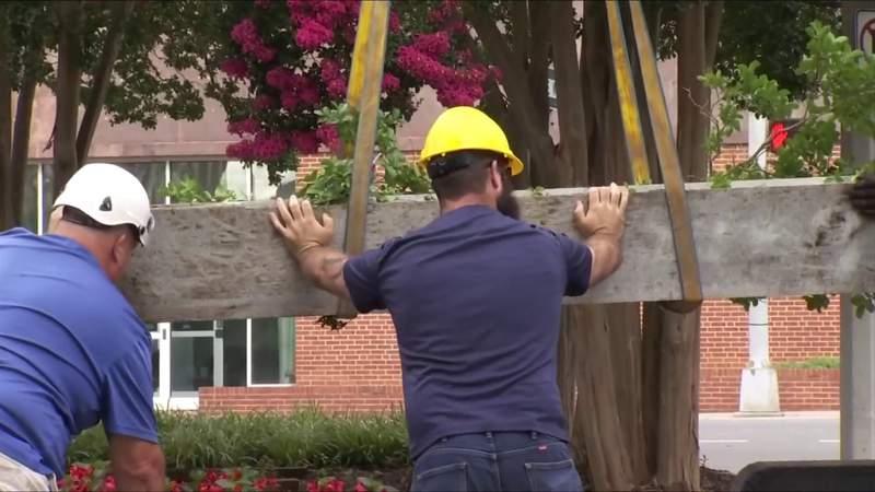 Roanoke City Council votes to remove Robert E. Lee monument