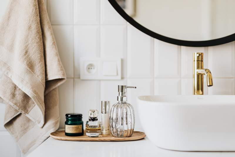 Here's how you can keep your bathroom smelling super fresh.