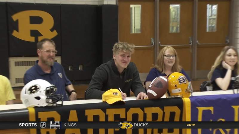 Zane Rupe signs with Emory and Henry