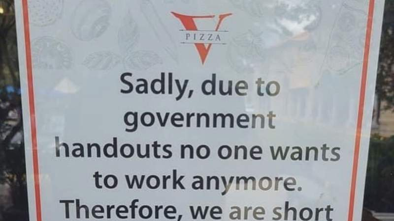 Restaurant sign blaming 'government handouts' for staff shortage stirs controversy (Courtesy: Twitter/@DRHegedus)