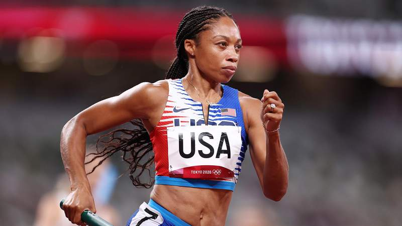 TOKYO, JAPAN - AUGUST 07: Allyson Felix of Team United States competes in the Women' s 4 x 400m Relay Final on day fifteen of the Tokyo 2020 Olympic Games at Olympic Stadium on August 07, 2021 in Tokyo, Japan. (Photo by Ryan Pierse/Getty Images)