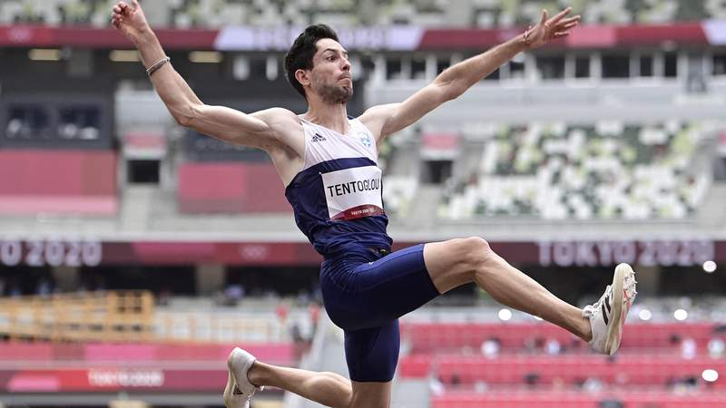 Greece's Miltiadis Tentoglou competes in the men's long jump final during the Tokyo 2020 Olympic Games at the Olympic Stadium in Tokyo on August 2, 2021. (Photo by Javier SORIANO / AFP) (Photo by JAVIER SORIANO/AFP via Getty Images)