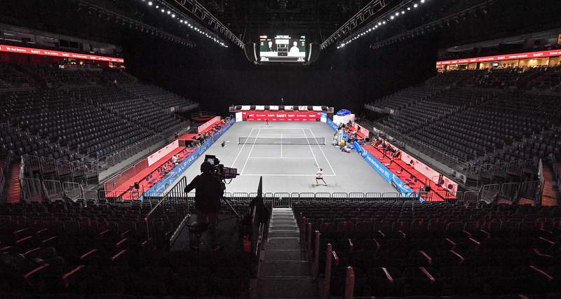 Seats are empty due to the coronavirus orders at the Lanxess Arena in Cologne, Germany, during the ATP bett1HULKS Indoors tennis match between Germany's Alexander Zverev and Spain's Fernando Verdasco, Thursday, Oct. 15, 2020. Zverev won the match 6-4, 6-1. (AP Photo/Martin Meissner)