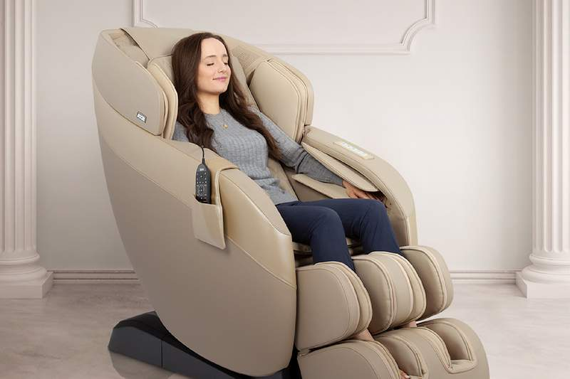 This luxury massager chair is equipped with a full computer body scan to ensure you get the very best massage every time!