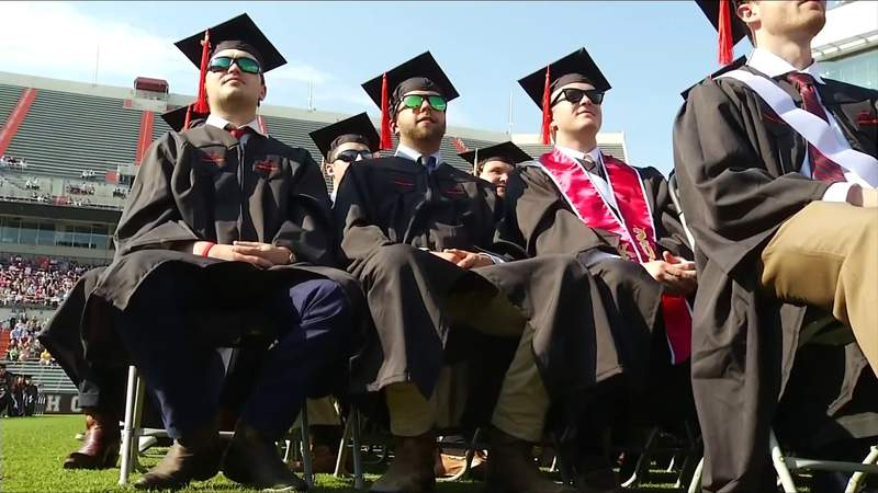 Governor announces draft plan for safe in-person graduations