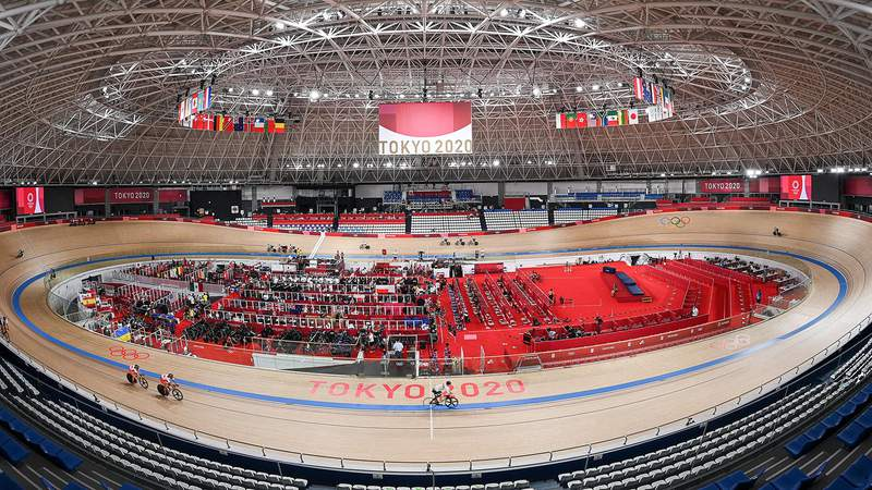 02 August 2021, Japan, Izu: Cycling: Olympics: Track cycling, training. View into the Izu Velodrome. (Shot with fisheye) Photo: Sebastian Gollnow/dpa (Photo by Sebastian Gollnow/picture alliance via Getty Images)
