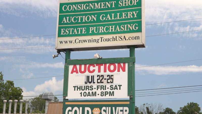 Crowning Touch prepares for next online auction