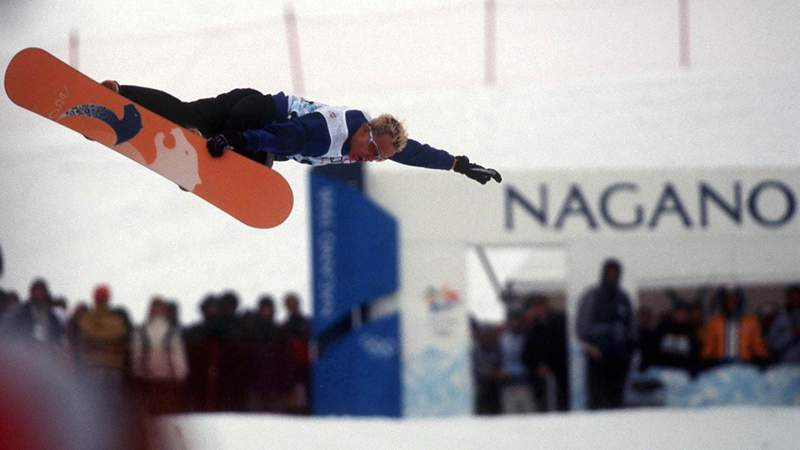 Fabien Rohrer of Switzerland competes in the men's halfpipe snowboarding event at the Winter Olympic Games in Nagano, Japan, on Feb. 12, 1998.