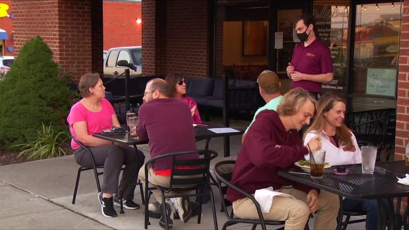 NRV restaurants can get free money to expand outdoor seating as cold months set in