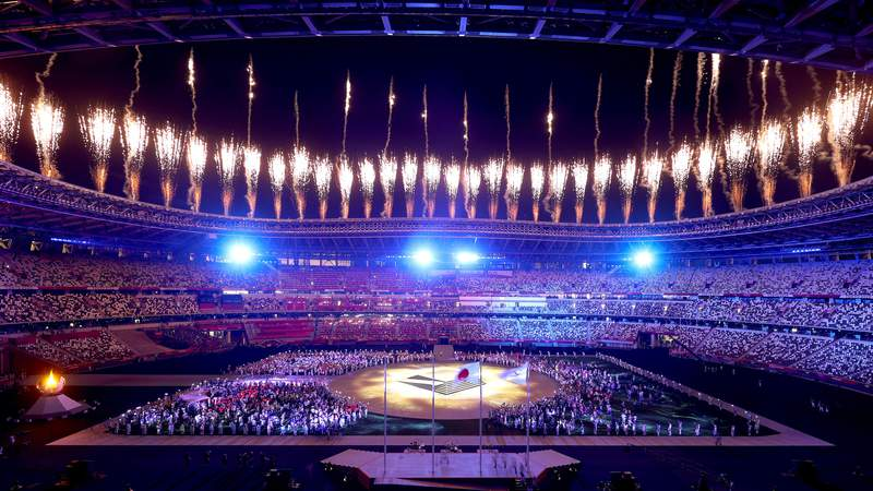 TOKYO, JAPAN - AUGUST 08: Fireworks erupt above the stadium during the Closing Ceremony of the Tokyo 2020 Olympic Games at Olympic Stadium on August 08, 2021 in Tokyo, Japan. (Photo by Alexander Hassenstein/Getty Images)