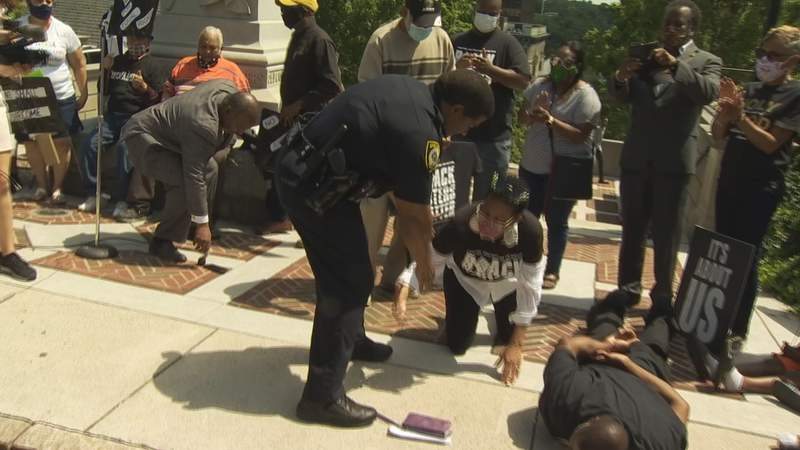 Lynchburg Police Department Lt. Rodney Carson during an NAACP demonstration on June 2, 2020.