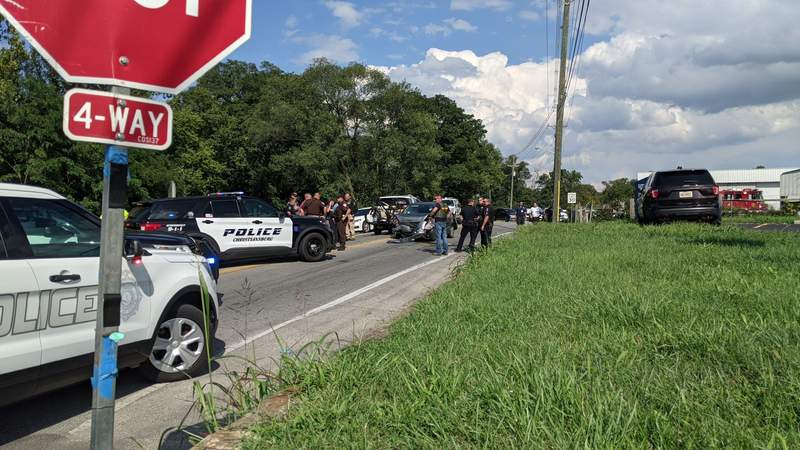 Suspect in custody after police chases ends with crash