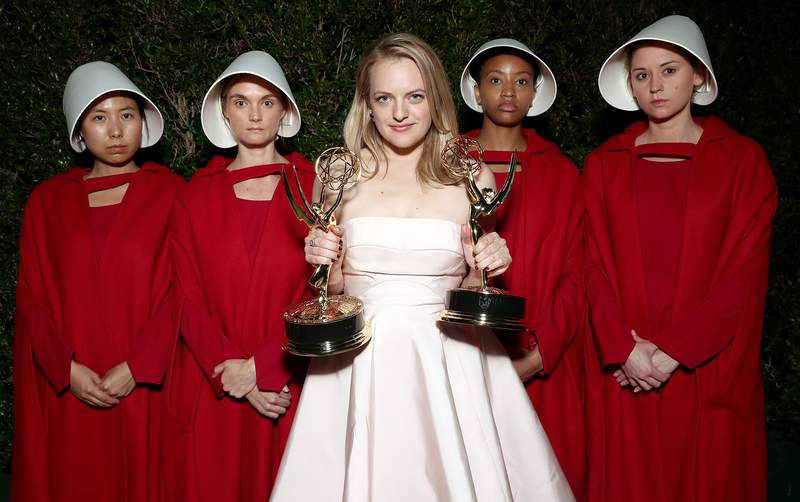 """Elisabeth Moss, winner of the awards for Outstanding Drama Series and Outstanding Lead Actress in a Drama Series for 'The Handmaid's Tale"""" attends Hulu's 2017 Emmy After Party at Otium on September 17, 2017 in Los Angeles, California. (Photo by Todd Williamson/Getty Images for Hulu)"""
