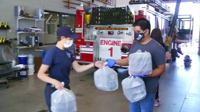 Farmburguesa delivers meals to first responders