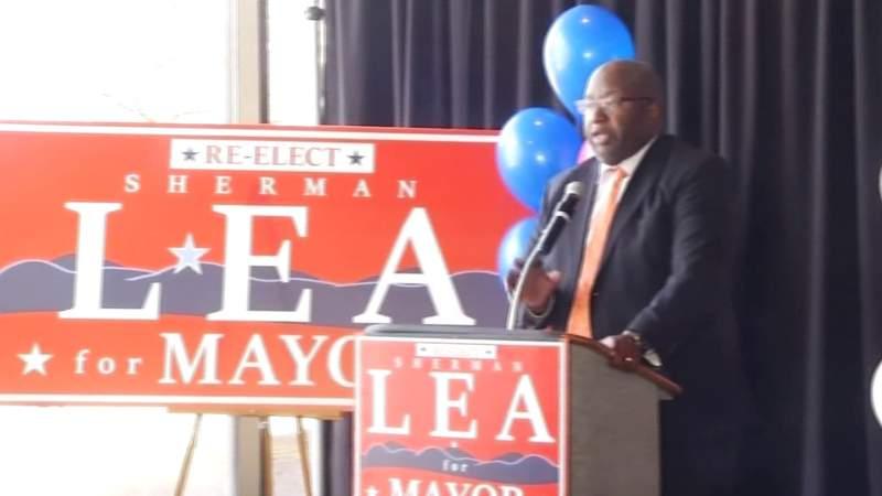 Roanoke Mayor Sherman Lea launches re-election campaign