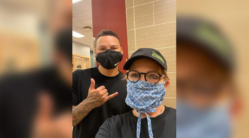 Kane Brown with Subway employee, Angie Graves