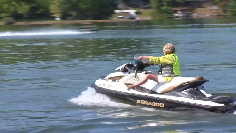 Meet the She-Doos of Smith Mountain Lake